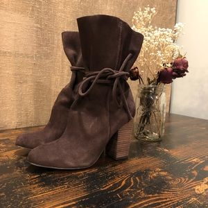 UO Ecote Carly boot | brown leather | size 10